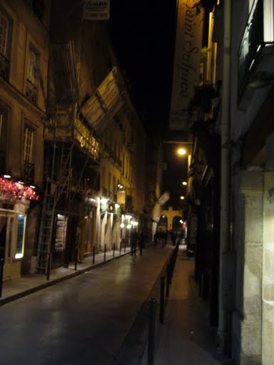 Paris at night ©  2009 R J Dent archive